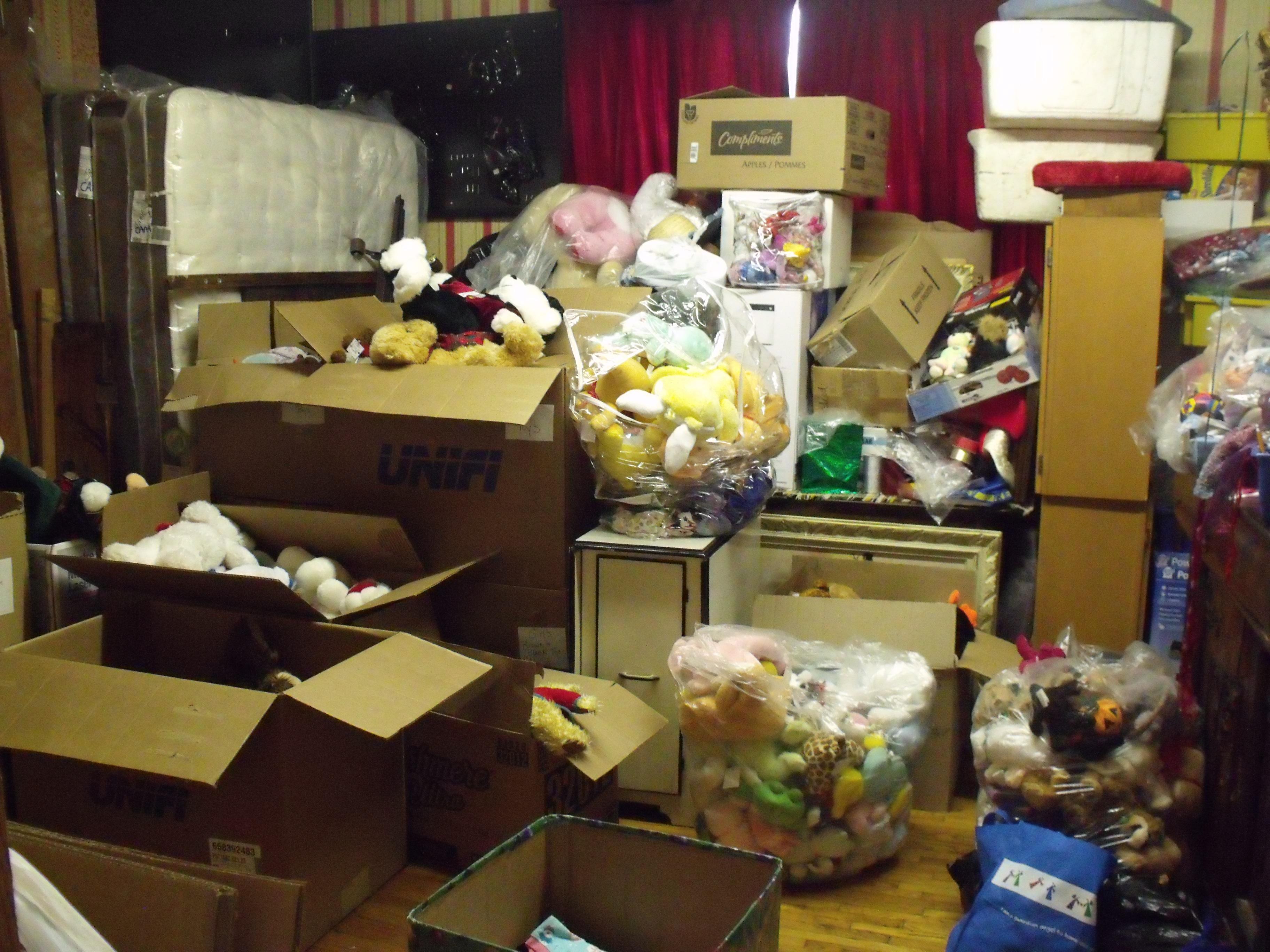 Messy-toy-room.jpg