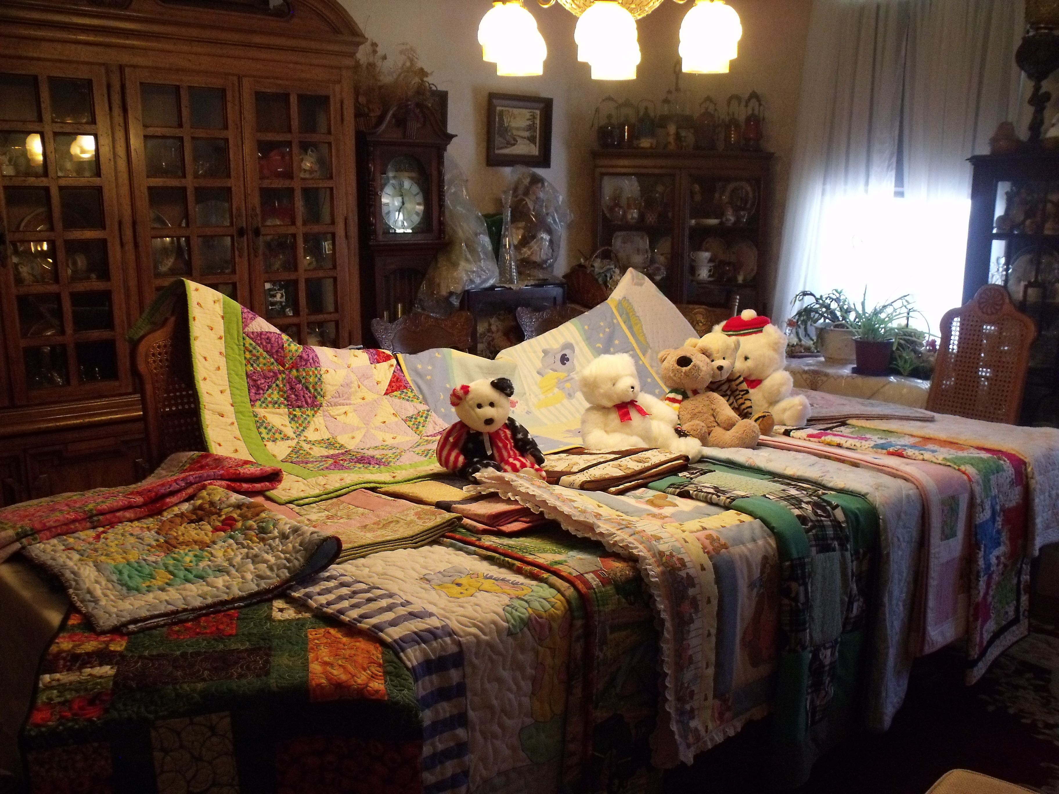 Donated-quilts-from-Grand-Quilting-Guild-Fergus.jpg