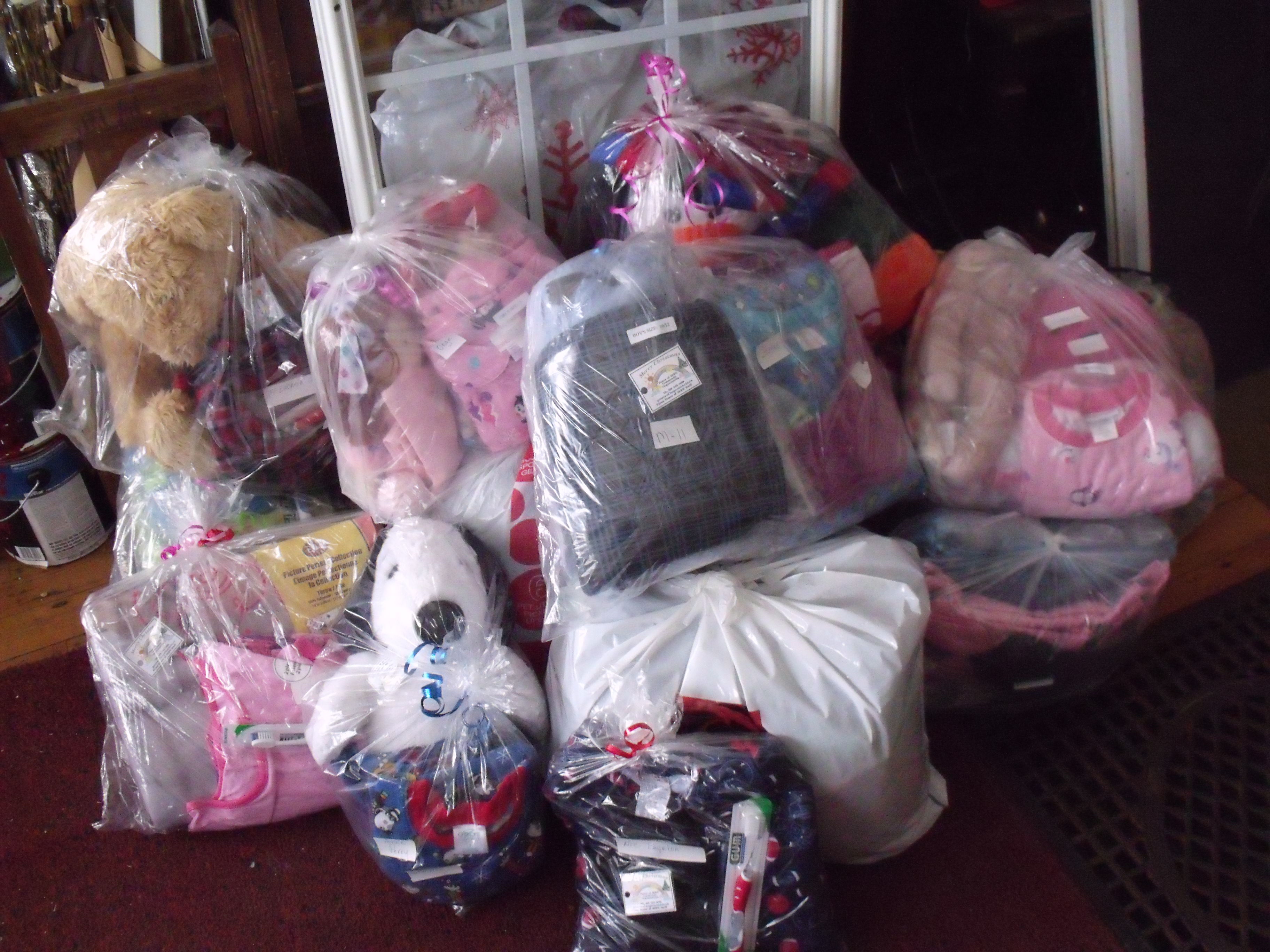 Packages-ready-for-Harriston-Christmas-Hampers.jpg